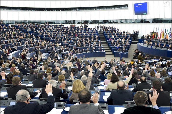 Të drejtat e Njeriut dhe Pandemia, eurodeputetët dënojnë masat e regjimeve autoritare